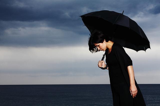 umbrella-2603983_640