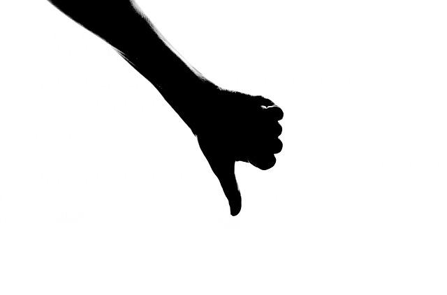silhouette-315915_640